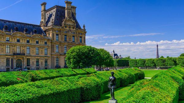 tuileries garden between louvre museum and place de la concorde paris france