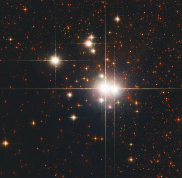Open star cluster Caldwell 82 aka NGC 6193 and its 2 O type stars